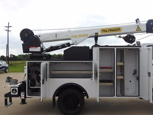 2021 Chevrolet Silverado 6500 Crew Cab DRW 4x4, Mechanics Body #614873 - photo 11