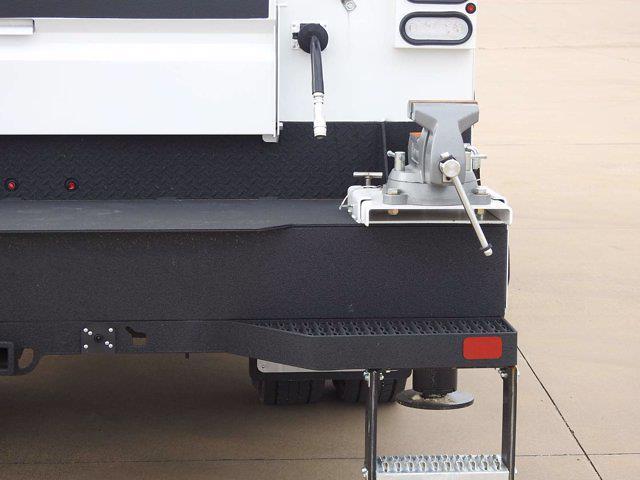 2021 Chevrolet Silverado 6500 Crew Cab DRW 4x4, Mechanics Body #614873 - photo 15