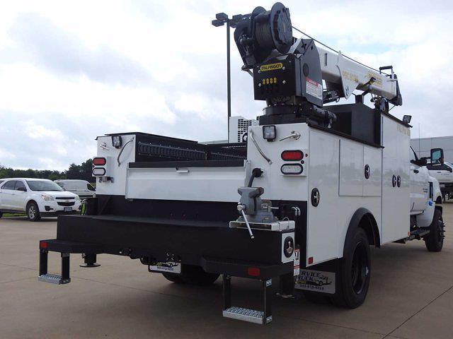 2021 Chevrolet Silverado 6500 Crew Cab DRW 4x4, Mechanics Body #614873 - photo 2