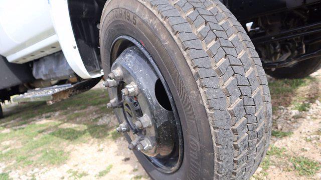 2021 Chevrolet Silverado 6500 Regular Cab DRW 4x4, Mechanics Body #641835 - photo 17