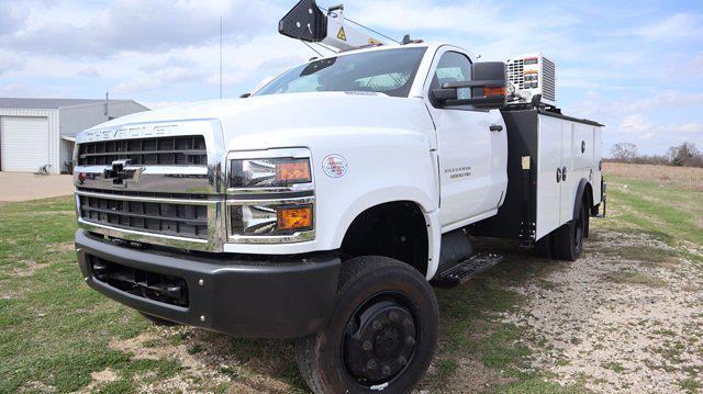 2021 Chevrolet Silverado 6500 Regular Cab DRW 4x4, Mechanics Body #641835 - photo 4