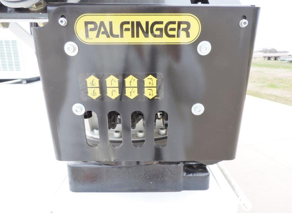 2019 F-550 Regular Cab DRW 4x4,  Palfinger Mechanics Body #A10626 - photo 38