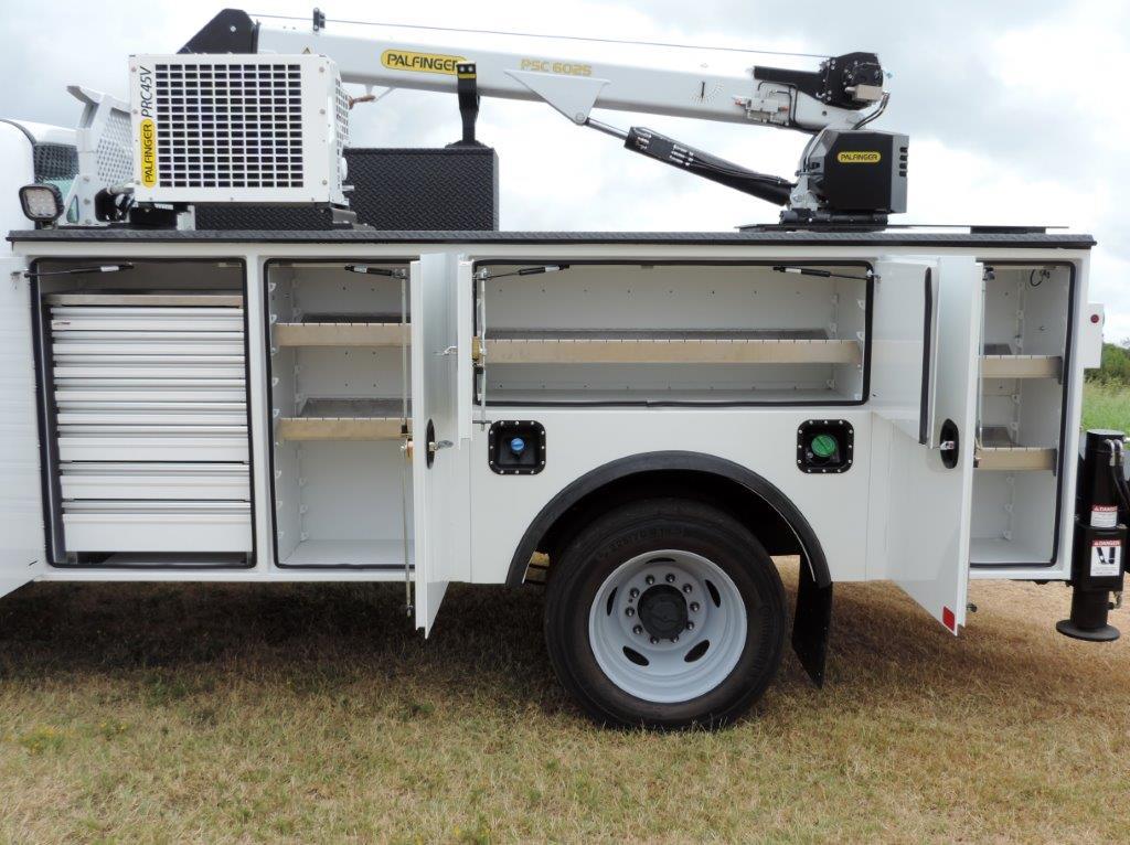 2019 F-550 Regular Cab DRW 4x4,  Mechanics Body #F39282 - photo 20