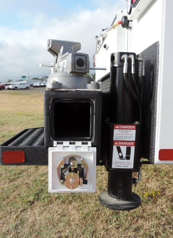 2019 F-550 Regular Cab DRW 4x4,  Palfinger PAL Pro 39 Mechanics Body #F72336 - photo 10