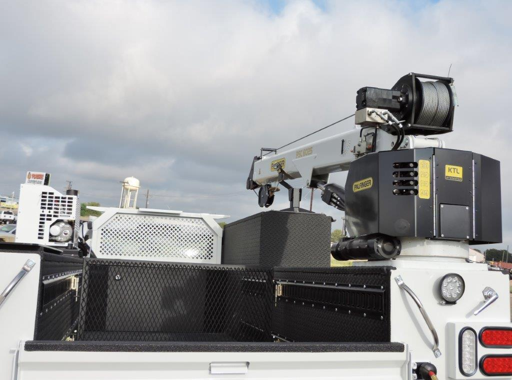2019 F-550 Regular Cab DRW 4x4,  Palfinger PAL Pro 39 Mechanics Body #F72336 - photo 8