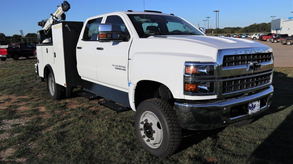 2019 Chevrolet Silverado Medium Duty Crew Cab 4x4, Palfinger Mechanics Body #ST665686 - photo 1