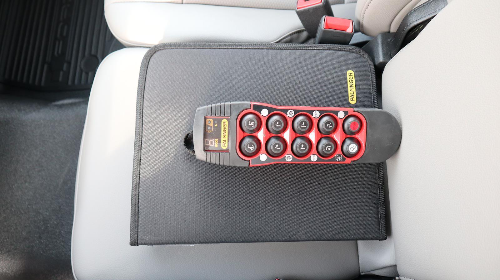 2021 Ford F-600 Regular Cab DRW 4x4, Palfinger PAL Pro 43 Mechanics Body #STA00742 - photo 48