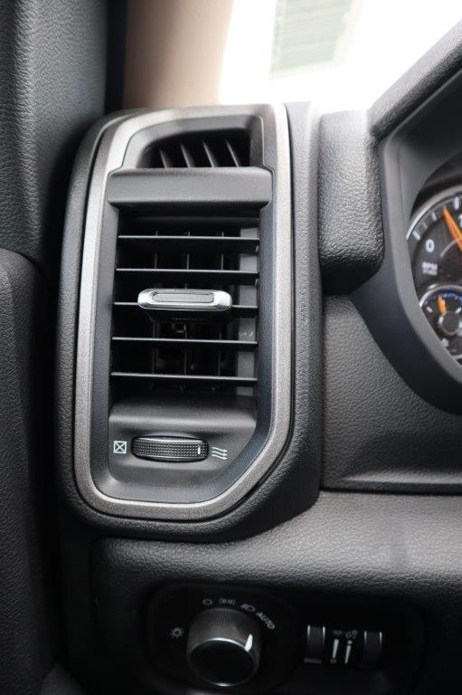2020 Ram 5500 Regular Cab DRW 4x4, Palfinger PAL Pro 39 Mechanics Body #102499 - photo 18