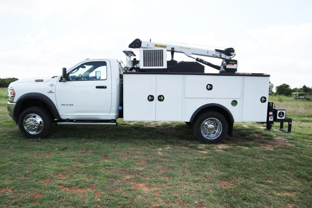 2020 Ram 5500 Regular Cab DRW 4x4, Palfinger PAL Pro 39 Mechanics Body #102499 - photo 3
