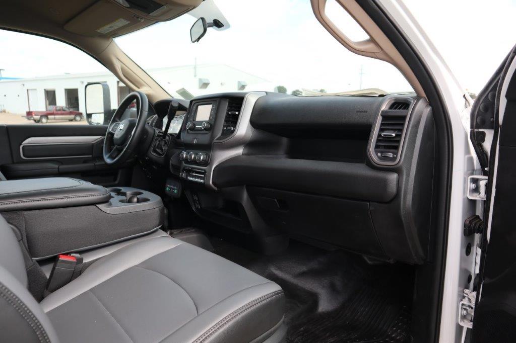 2020 Ram 5500 Regular Cab DRW 4x4, Palfinger PAL Pro 39 Mechanics Body #102499 - photo 27