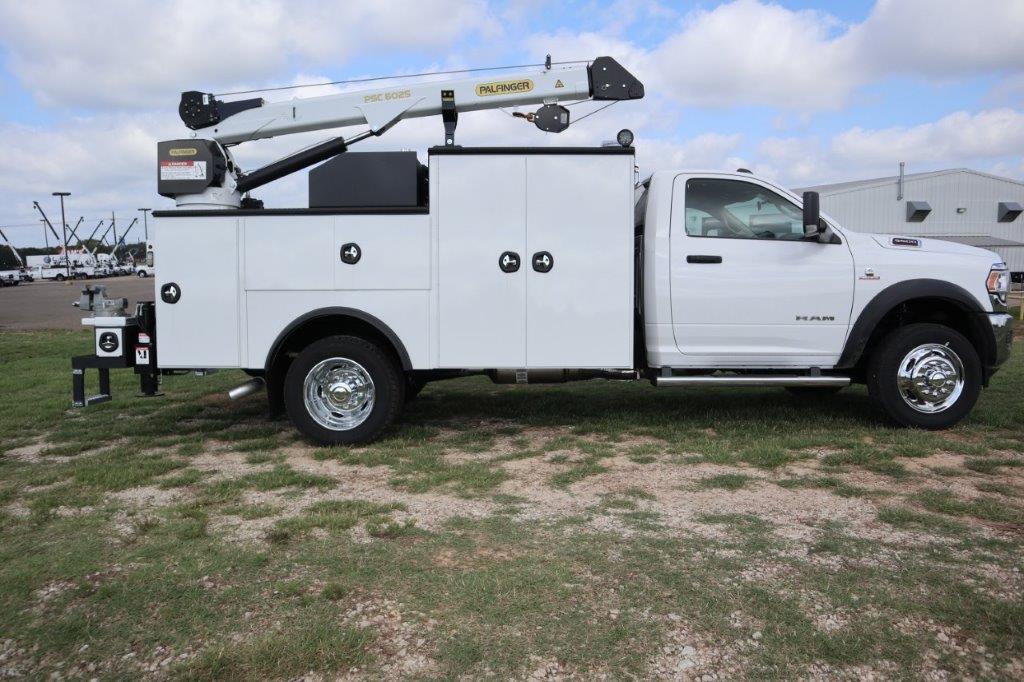 2020 Ram 5500 Regular Cab DRW 4x4, Palfinger PAL Pro 39 Mechanics Body #102499 - photo 7