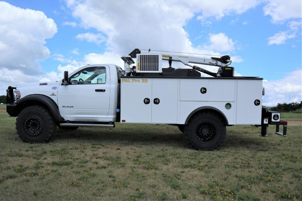 2020 Ram 5500 Regular Cab DRW 4x4, Palfinger PAL Pro 39 Mechanics Body #112976 - photo 3
