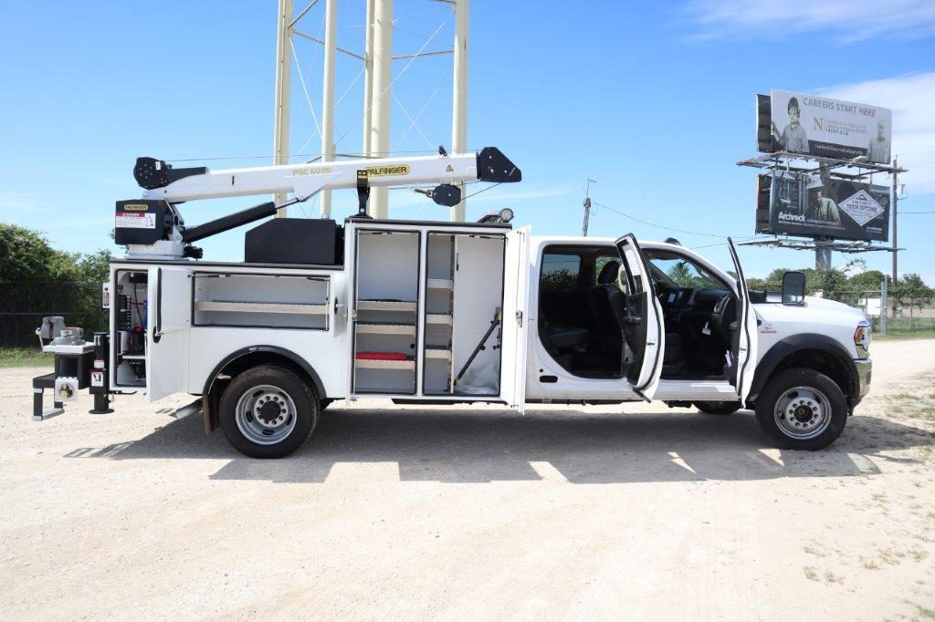 2020 Ram 5500 Crew Cab DRW 4x4, Palfinger PAL Pro 39 Mechanics Body #119707 - photo 52