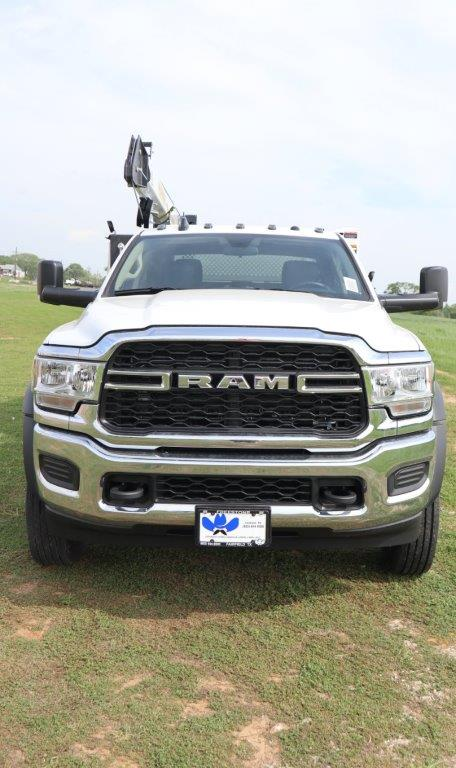 2020 Ram 5500 Crew Cab DRW 4x4, Palfinger PAL Pro 43 Mechanics Body #130031 - photo 4