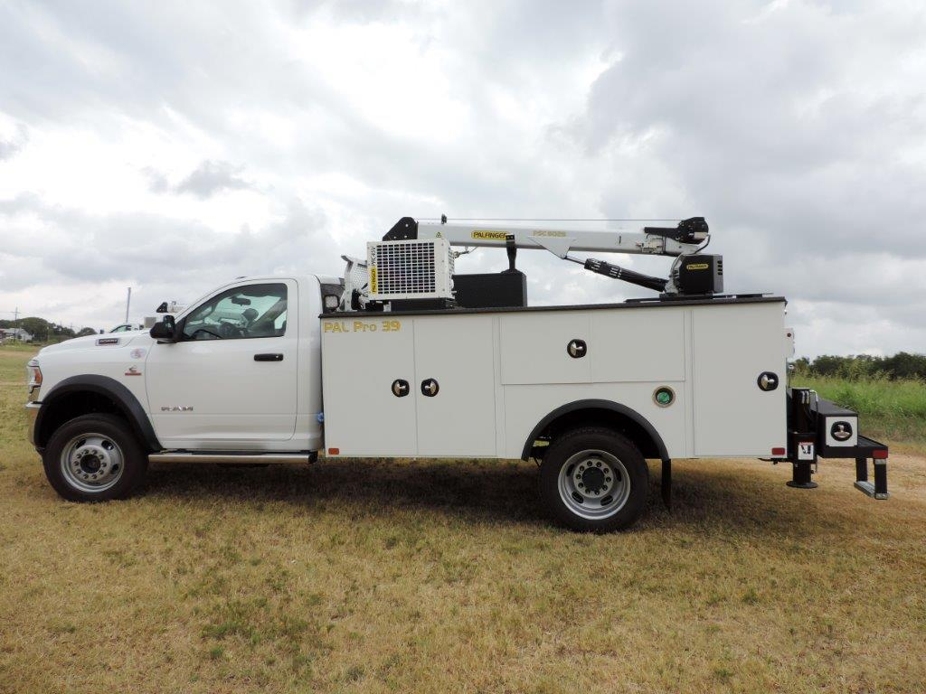 2019 Ram 5500 Regular Cab DRW 4x4,  Mechanics Body #531486 - photo 12