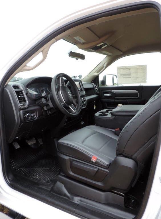 2019 Ram 5500 Regular Cab DRW 4x4,  Mechanics Body #531486 - photo 32