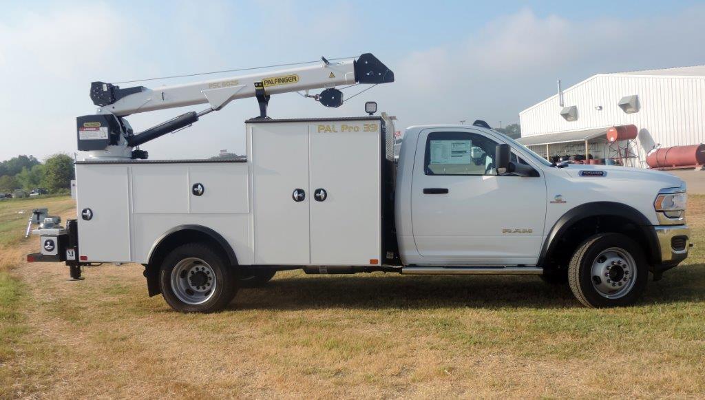2019 Ram 5500 Regular Cab DRW 4x4,  Palfinger PAL Pro 39 Mechanics Body #535505 - photo 4