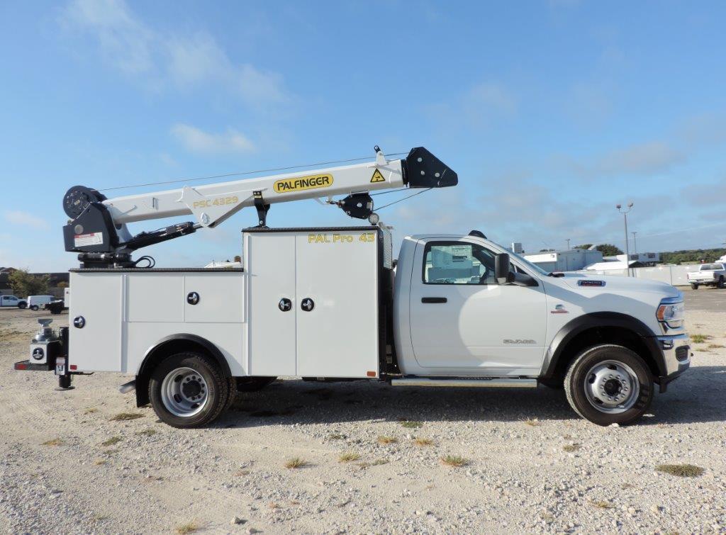 2019 Ram 5500 Regular Cab DRW 4x4,  Palfinger PAL Pro 43 Mechanics Body #535516 - photo 6
