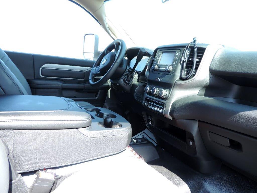 2019 Ram 5500 Regular Cab DRW 4x4,  Mechanics Body #535517 - photo 7