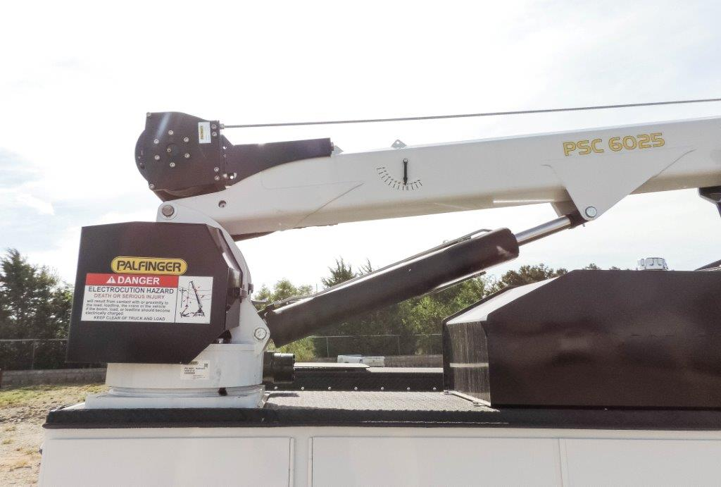 2019 Ram 5500 Regular Cab DRW 4x4,  Palfinger Mechanics Body #535539 - photo 23