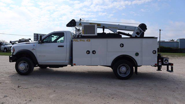 2021 Ram 5500 Regular Cab DRW 4x4, Palfinger PAL Pro 43 Mechanics Body #599059 - photo 5