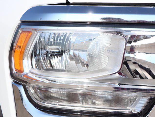 2021 Ram 5500 Regular Cab DRW 4x4,  Palfinger PAL Pro 43 Mechanics Body #599062 - photo 4