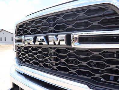 2021 Ram 5500 Regular Cab DRW 4x4,  Palfinger PAL Pro 39 Mechanics Body #613002 - photo 17
