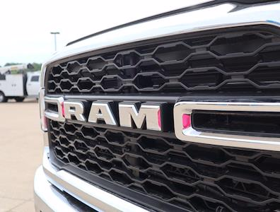 2021 Ram 5500 Regular Cab DRW 4x4,  Palfinger PAL Pro 39 Mechanics Body #613009 - photo 22