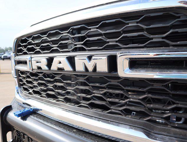 2021 Ram 5500 Regular Cab DRW 4x4,  Palfinger PAL Pro 43 Mechanics Body #613024 - photo 17