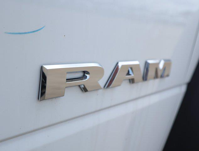 2021 Ram 5500 Regular Cab DRW 4x4, Mechanics Body #613025 - photo 16