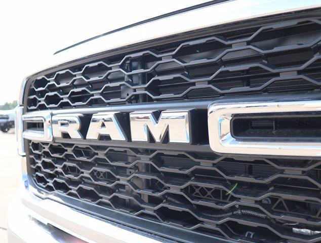 2021 Ram 5500 Regular Cab DRW 4x4,  Palfinger PAL Pro 43 Mechanics Body #613026 - photo 18