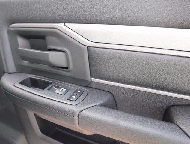 2021 Ram 5500 Regular Cab DRW 4x4, Mechanics Body #613027 - photo 37