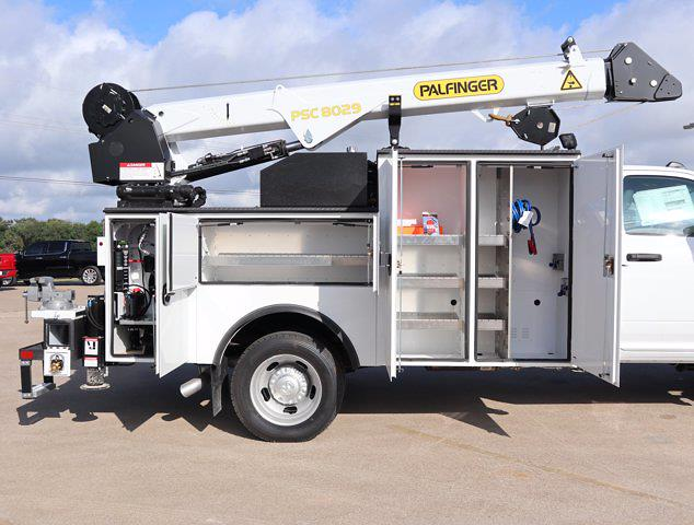2021 Ram 5500 Regular Cab DRW 4x4,  Palfinger PAL Pro 43 Mechanics Body #613028 - photo 23