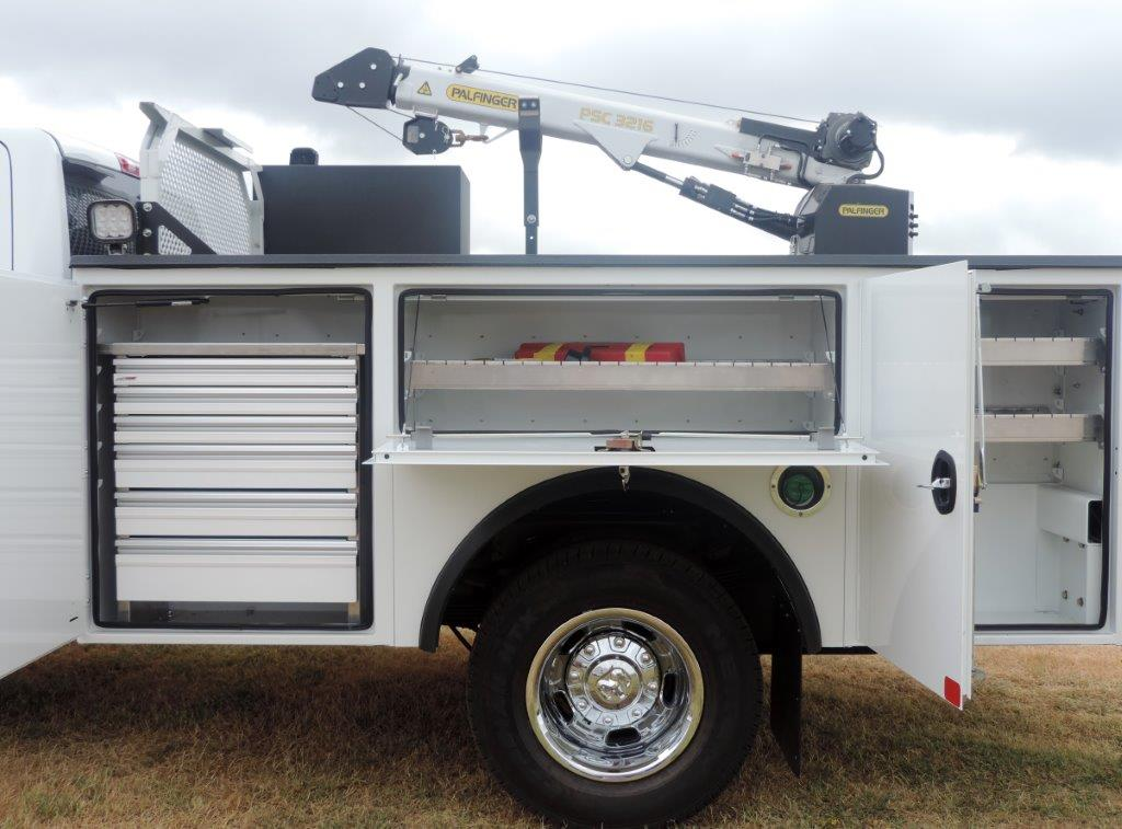 2019 Ram 3500 Crew Cab DRW 4x4,  Mechanics Body #613523 - photo 14