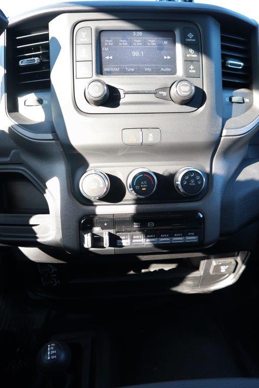 2019 Ram 5500 Regular Cab DRW 4x4, Palfinger Mechanics Body #617066 - photo 36