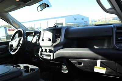 2019 Ram 5500 Regular Cab DRW 4x4, Palfinger Mechanics Body #617066 - photo 17
