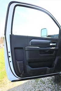2019 Ram 5500 Regular Cab DRW 4x4, Palfinger Mechanics Body #617068 - photo 16