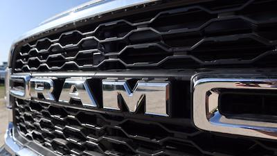2021 Ram 5500 Crew Cab DRW 4x4, Palfinger PAL Pro 43 Mechanics Body #625637 - photo 16