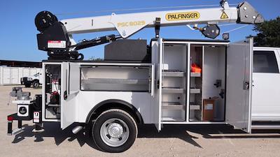 2021 Ram 5500 Crew Cab DRW 4x4, Palfinger PAL Pro 43 Mechanics Body #625637 - photo 32
