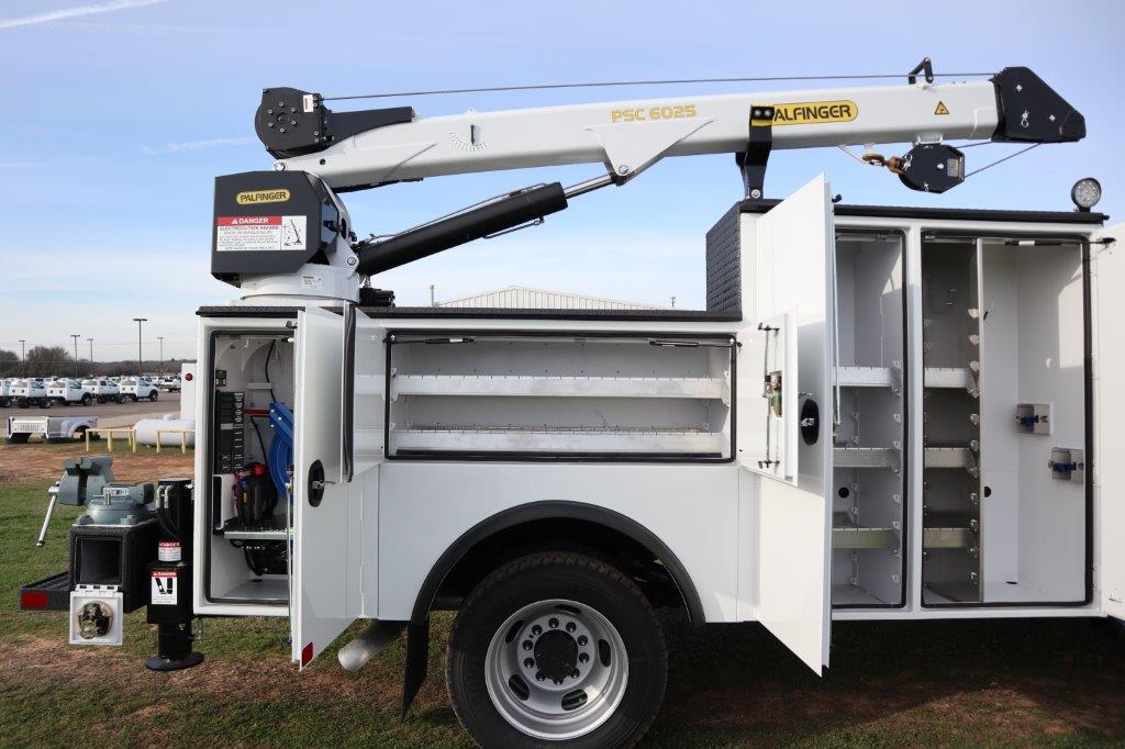 2019 Ram 5500 Regular Cab DRW 4x4, Palfinger Mechanics Body #642235 - photo 17
