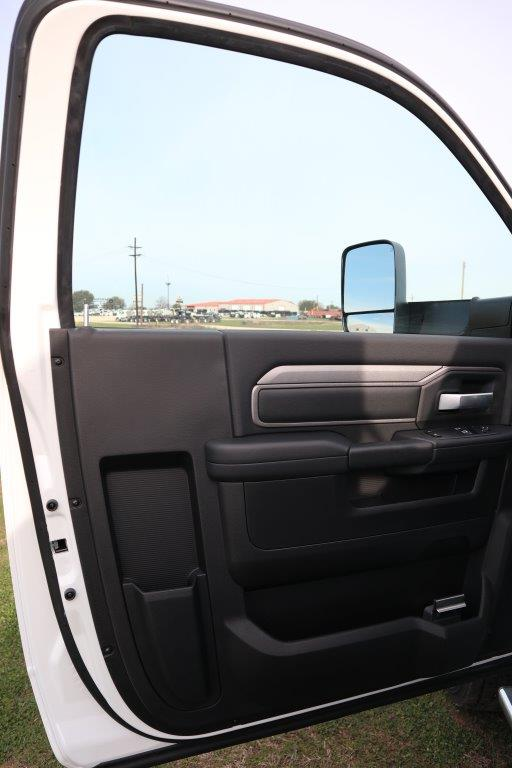 2019 Ram 5500 Regular Cab DRW 4x4, Palfinger Mechanics Body #642235 - photo 22