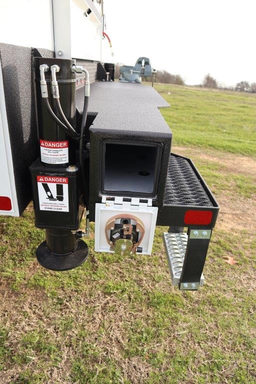 2019 Ram 5500 Regular Cab DRW 4x4, Palfinger Mechanics Body #642235 - photo 23