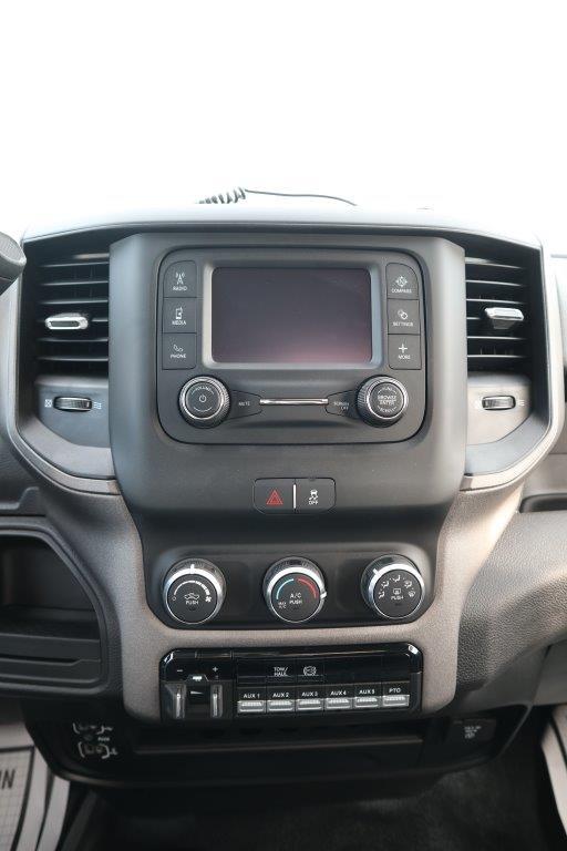 2019 Ram 5500 Regular Cab DRW 4x4, Palfinger Mechanics Body #642235 - photo 32