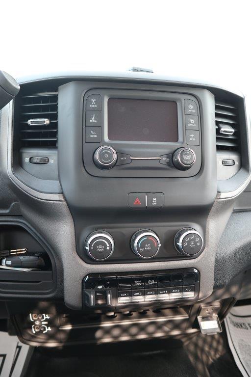 2019 Ram 5500 Regular Cab DRW 4x4, Palfinger Mechanics Body #642239 - photo 34