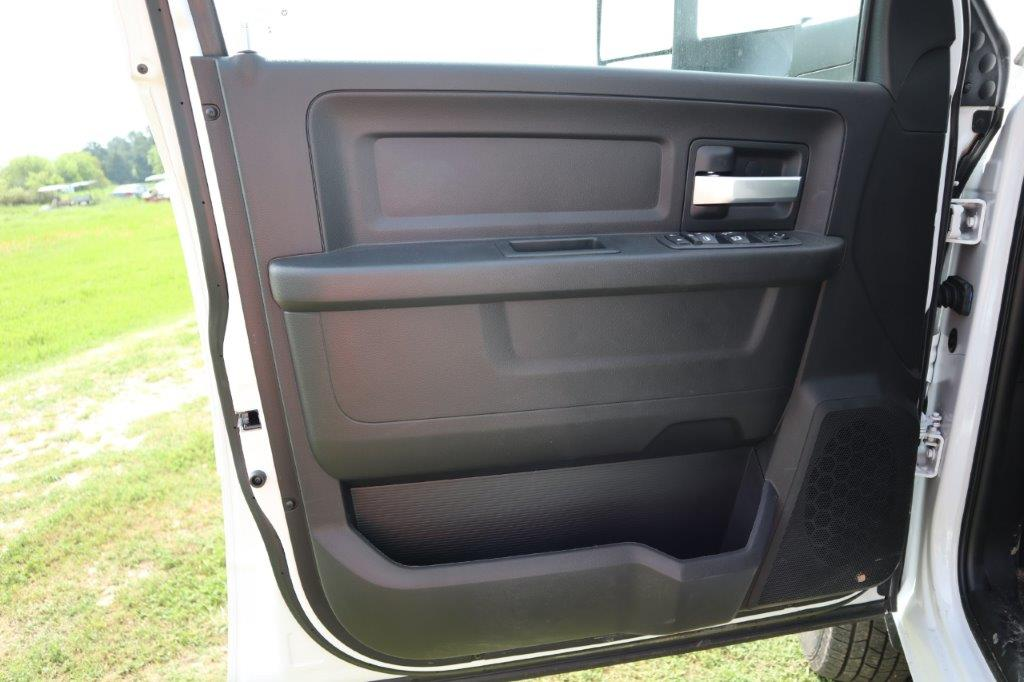 2019 Ram 3500 Crew Cab DRW 4x4, Palfinger PAL Pro 20 Mechanics Body #647121 - photo 32