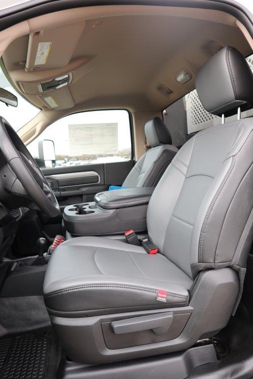 2019 Ram 5500 Regular Cab DRW 4x4, Palfinger Mechanics Body #710612 - photo 17