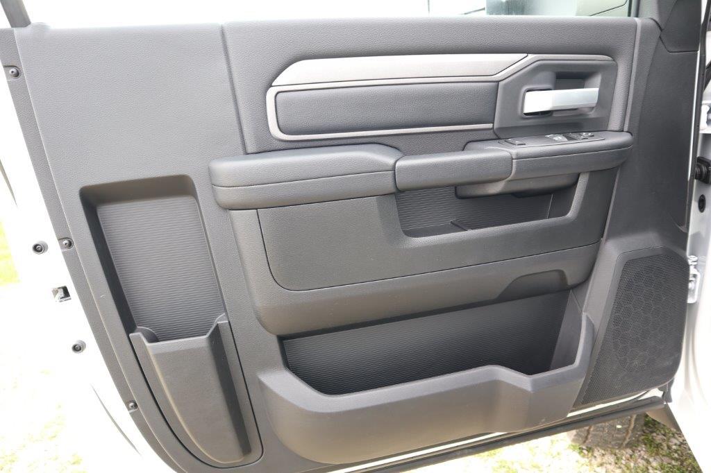2019 Ram 5500 Regular Cab DRW 4x4, Palfinger Mechanics Body #710612 - photo 19
