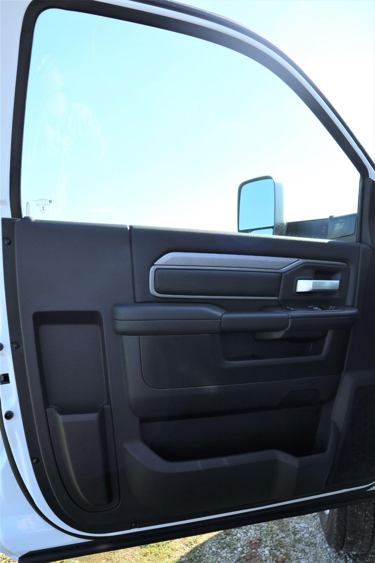 2019 Ram 5500 Regular Cab DRW 4x4, Palfinger PAL Pro 43 Mechanics Body #722325 - photo 30