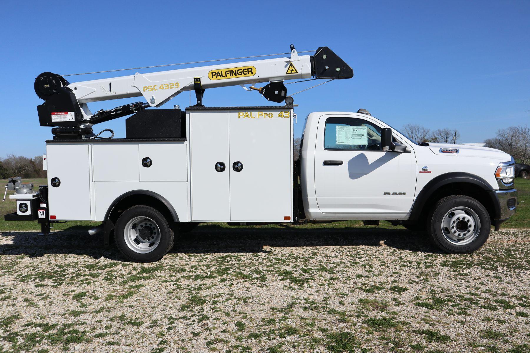 2019 Ram 5500 Regular Cab DRW 4x4, Palfinger PAL Pro 43 Mechanics Body #722325 - photo 6