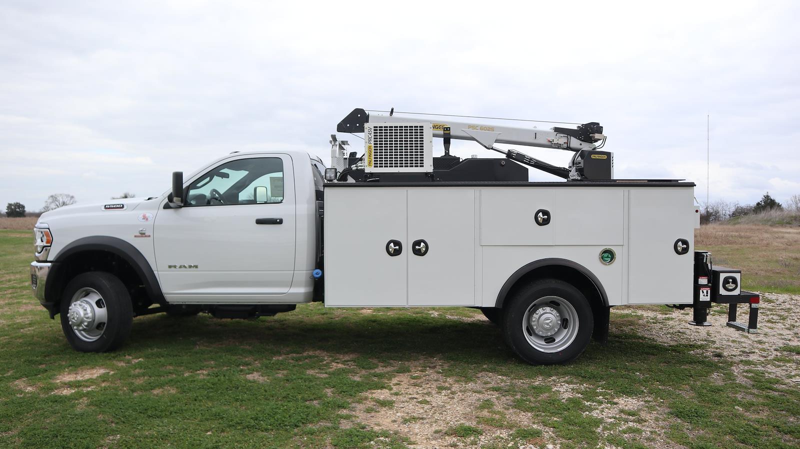 2021 Ram 5500 Regular Cab DRW 4x4,  Palfinger PAL Pro 39 Mechanics Body #ST586158 - photo 8